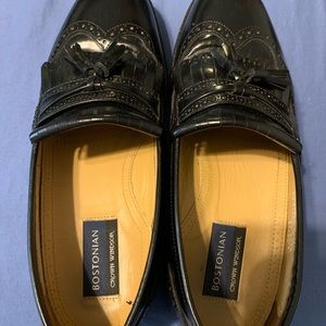 Men's size 8 and a half dress shoes guc